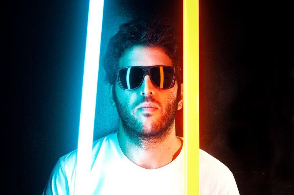 PREMIERE – Younger Than Me – Disco Rootz (Fabrizio Mammarella remix) (Relish)