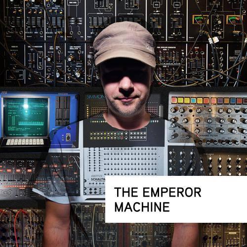 PREMIERE – Deadbots – Love Unlimited (The Emperor Machine Extended Mix) (Deadbots Music)